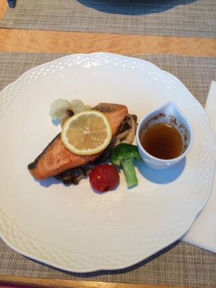 I had the salmon at Ceres Restaurant Photo Source: ionasiatrend.com